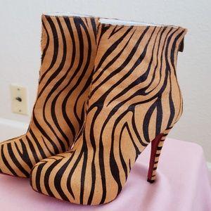 Animal skin zebra prints